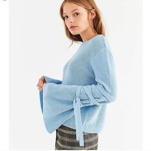 NWT Silence + Noise Urban Outfitters Sweater